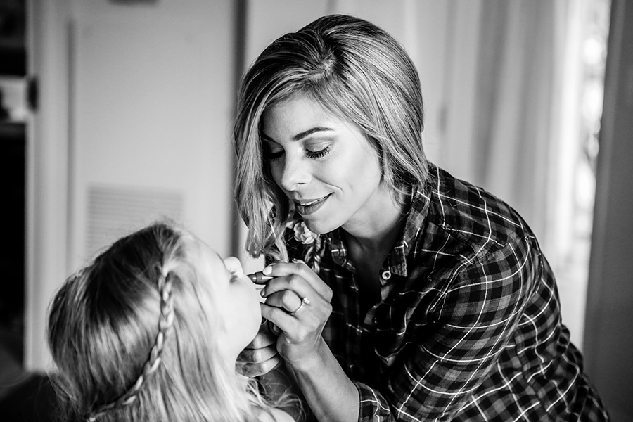 getting ready mother daughter